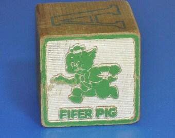 Vintage 1960s Fifer Pig Wood Block Letter V