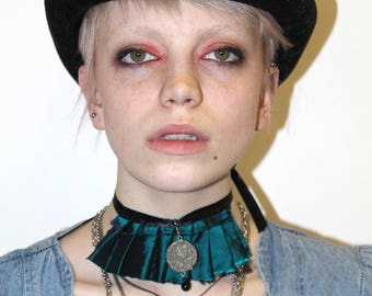 Hand Made pretty disturbia gothic grungy pendent turquoise chocker