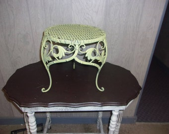 Wicker and metal stool/plant stand/table decoration/side table