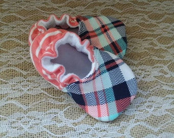 Handmade baby shoes, Soft sole shoes, baby booties, baby slippers--Pink/Navy/Teal Plaid