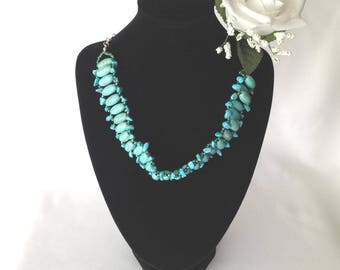 Turquoise and Magnesite Gem Stone Expandable Choker/Necklace Set