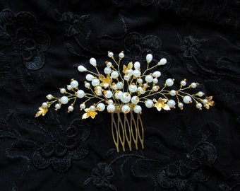 Gold hair comb Pearl beaded hair comb Gold leaf hair comb Wedding hair comb Beaded hair piece Gold leaf hair piece Bridal headpiece