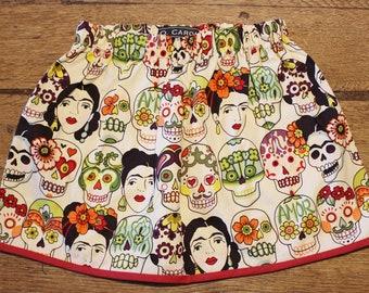 """Patti"" skirt (T.5 - 6 years)-Frida Kahlo-skulls of death, Dia of then Muertos-white background broken through red bordeaux-size elastic - O.CAROL"