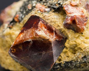 Hyacinth (zircon). Crystals in the rock 55*50*35mm, 143grams, from Pakistan