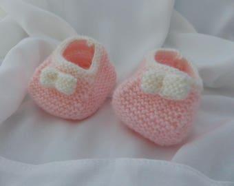 Acrylic baby booties