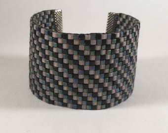 Small square miyuki beads turquoise, black and pale pink woven bracelet
