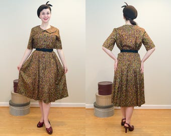 1950s Vintage Dress - Multicolored Day Dress with Wide Peter Pan Collar