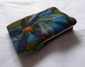 Oyster card holder with a floral Vintage fabric. Also great for housing a bus pass!
