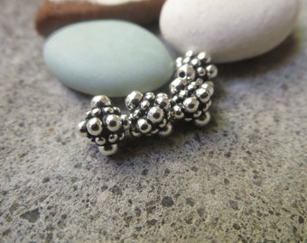 Ornate bicone   pewter beads , 8mm ethnic bali style beads  , Antiqued Silver plated spacer , metal casting  4 beads / 8aT-5677-12