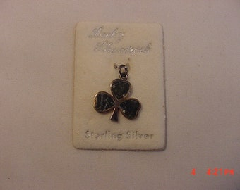 Vintage Sterling Silver Shamrock Charm From Bunratty Cottage Ireland On Original Sales Card 18 - 967  M