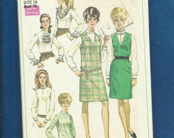 1968 Simplicity 7765 lace Ruffled Trimmed Blouses & Straight V Neck Jumper Size 14