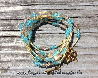 Sky Blue & Clear Beaded Bracelet with gold plated charms - Semanario pulseras de piedritas azul claras con dijes de chapa de oro