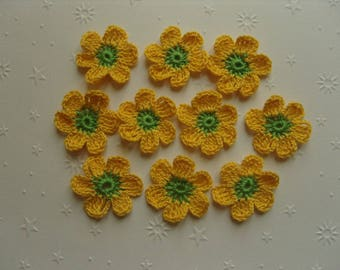 Crocheted appliques, set of 10 yellow and green flowers