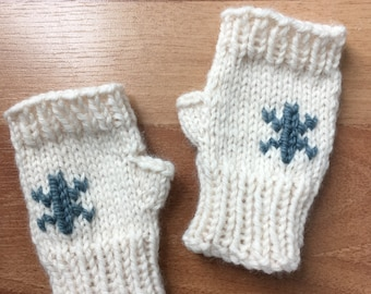 Snowflake Mitts - Hand Knit Fingerless Preschooler Kid Mitts - fingerless Mittens