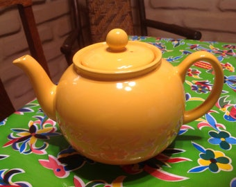 Vintage Pristine yellow ceramic teapot- England