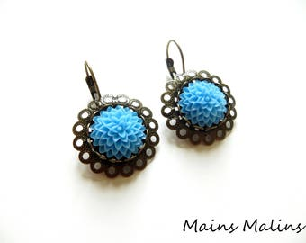 Earrings sleepers blue dahlia