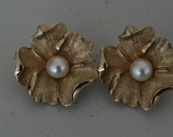 Vintage CHAREL Goldtone and Faux Pearl Flower Earrings