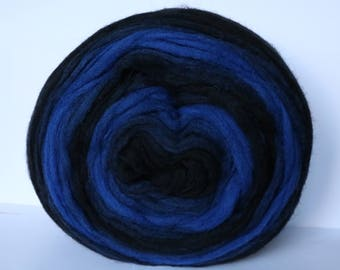 Self Striping Chunky Wool Pencil Roving, for Knitting, Crocheting, Spinning or Felting,Black and Blue gradient