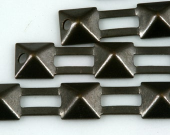 60 pcs Antique brass tone Brass 30X6 mm rectangle pyramid connector Charms ,Findings 499AB-32