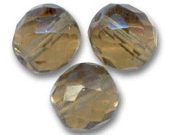 Faceted 10 mm: 8 Bohemian beads light smoked topaz