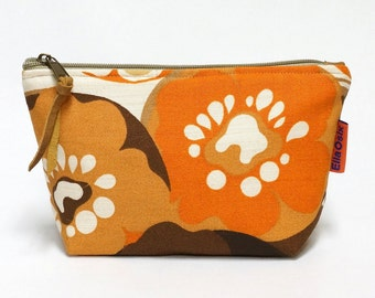 Floral Makeup bag - zippered retro cosmetic pouch - handmade with love from vintage fabrics.