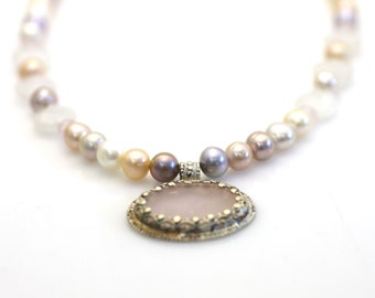 Pearl necklace. Pink Pearl Necklace.Wedding necklace.Wedding Jewelry.Bridesmaid necklace.silver and pearl necklace.pink necklace.pink pearl