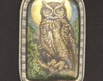great horned owl bird scrimshaw technique resin pin brooch