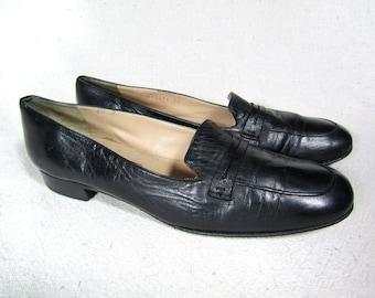 10 AA   vintage Cole Haan loafers / vintage 70s black loafers, vintage leather loafers, vintage penny loafers, 10 narrow black leather flats