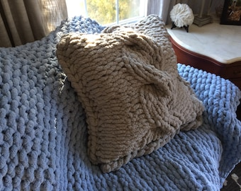 """Chunky """"Cable Knit"""" Pillow"""