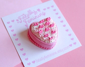 Pink Heart Cake Pin, Kawaii Pastel Birthday Cake Brooch, Kitsch Brooch, Party Kei Jewelry, Miniature Food Jewelry, Pin Up