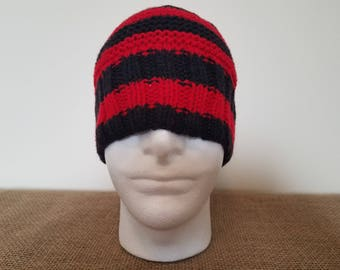 Red & black beanie hat, Size large
