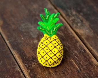 Felt pineapple brooch