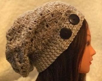 Shell stitch slouchy w/buttons