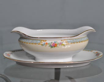 """Japanese Vintage Noritake """"Imperial China"""" Gravy Boat With Attached Underplate"""
