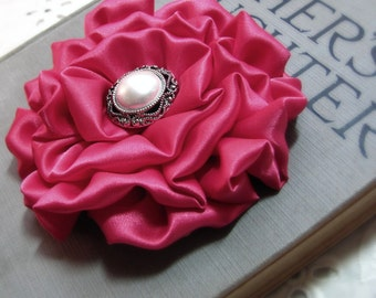 Fuchsia Pink Flower Brooch.Fuchsia Pink Hair Clip.Fuchsia Pink Pin.Satin.Headpiece.Hair Accessory.Bridesmaid.Wedding.hair piece.fascinator