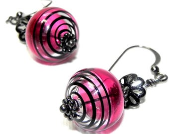 Cranberry pink and Black swirls Lampwork glass bead Earrings - Light grey Swarovski Crystal - Gunmetal earwires