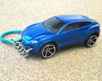 Lamborghini Urus keychain,Concept SUV Die Cast keychain,Concours d'Elegance,Mens or Womens keychain,Cool Lamborghini keychain Stocking