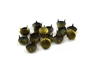 Package includes 20 rivets claw color 11 mm