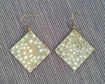 Spotted Olive square earrings