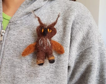Needle Felted OWL, Waldorf Brooch, owl figurine, Owl jewelry, barn owl, dry felted toy, Waldorf toy, whimsical gift, owl totem pin, woodland