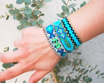 Chain Friendship Bracelet. Blue Mood. Crystal Quartz. Neon Green Theard with tribal coin and Silver Color  Chain.