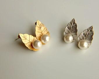 Earrings:Leaf  pearl stud earrings gold plated earrings, rhodium plated earrings, weddind earrings, bridesmaid, bridal earrings, christmas