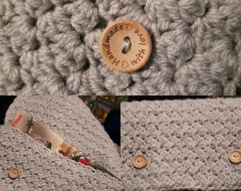 Crochet book cover pouch