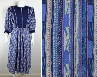 80s cotton peasant dress ethnic batik print Size S XS button front vintage blue boho hippy festival full skirt pockets African hippy 70s
