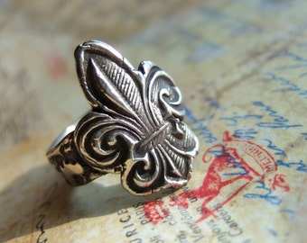 With Love From Paris, French Jewelry, Rustic Fleur-de-Lis Hand Stamped Fine Silver Ring