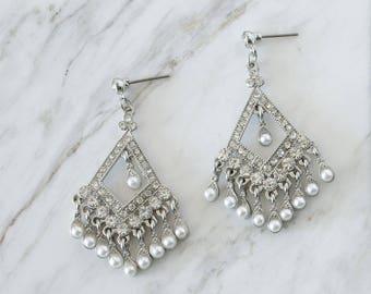 Silver crystal earrings, Bridesmaid Earrings, Wedding Jewelry, holiday gift, Holiday gift, Statement earrings, Chandelier Pearl earrings