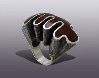 CAMAROON  Ring.   Silver Art.