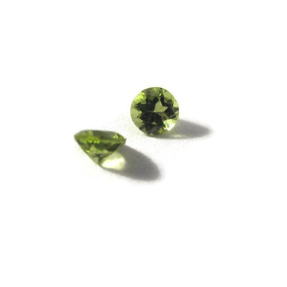 Two NON DRILLED Peridot Gemstones, Matching Bright Green Stones for Making Jewelry & Setting, 4mm x 3mm Gemstones (L-Mix9f)