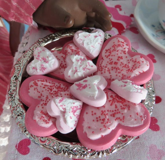 Frosted Heart Cookies with Sprinkle