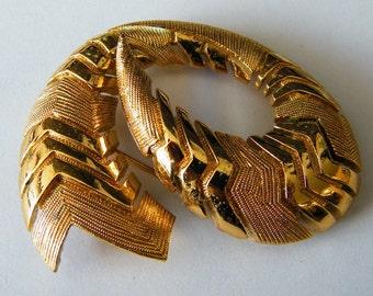Vintage Monet Gold Tone Swirl Pin Brooch
